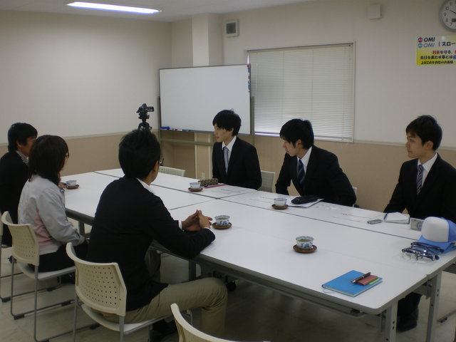 中京大学:企業研究のためのインタビューに応対!